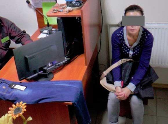 Действия сотрудников охраны по проверке покупателей, подозреваемых в краже